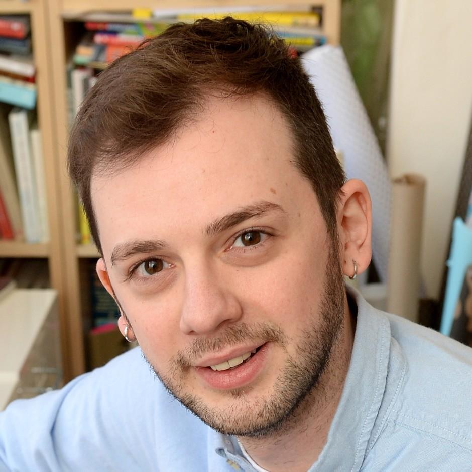 Alex T Smith